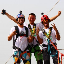 06-Dream-Walker-skydive-dubai-rope-jump-03